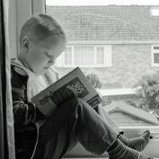 """""""Decu treba buditi pričama"""" – zajednička humanitarna akcija Akademije umetnosti i izdavačke kuće """"Clio"""""""