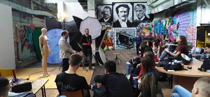 Kreativna radionica fotografije Akademije umetnosti u Grafičkoj školi